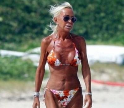 как выглядит силиконовая грудь в старости