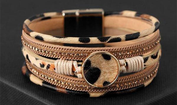 Стильный леопардовый браслет