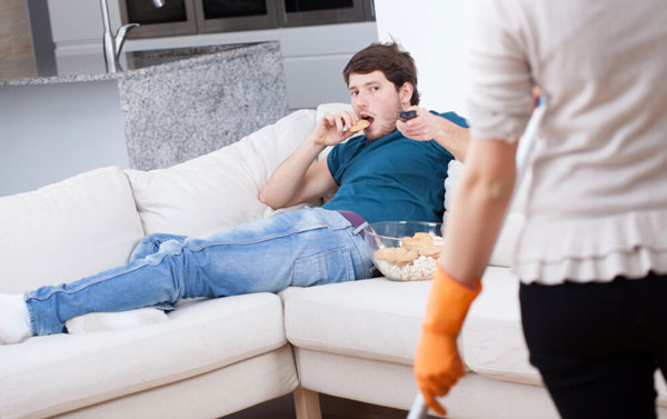 Стоит приобщать мужа к бытовым делам