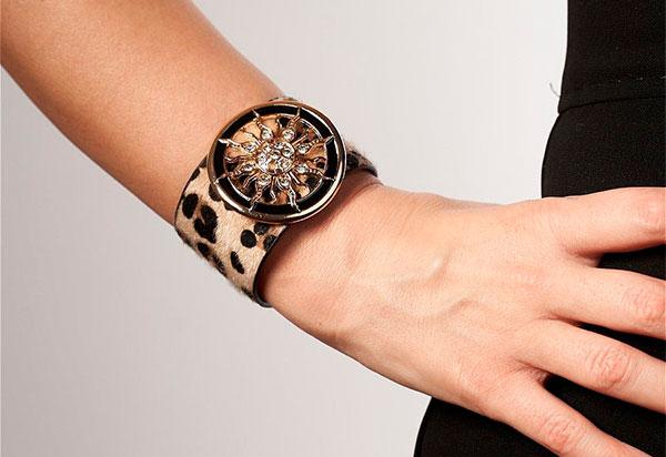 Часы с принтом