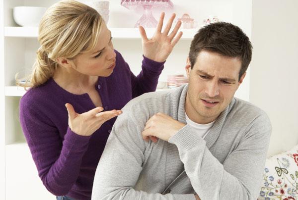 Не стоит обострять отношений с инфантильным мужчиной
