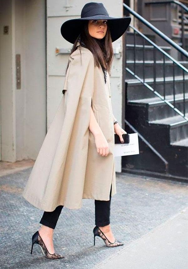 Пальто с брюками и шляпой с полями