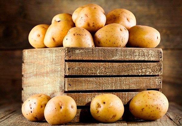 В картофеле среднего размера химии меньше