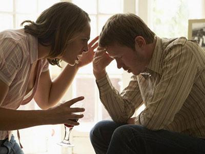 тяжело сохранить брак, когда его разрушает алкоголизм