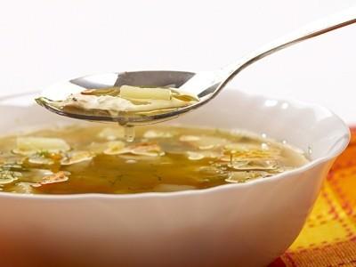 суп из овощей с сухариками