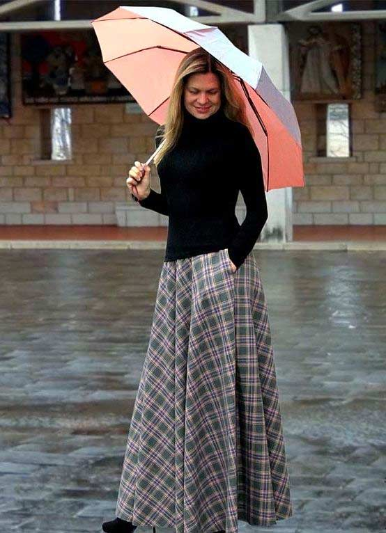 Длинная клетчатая юбка с карманами