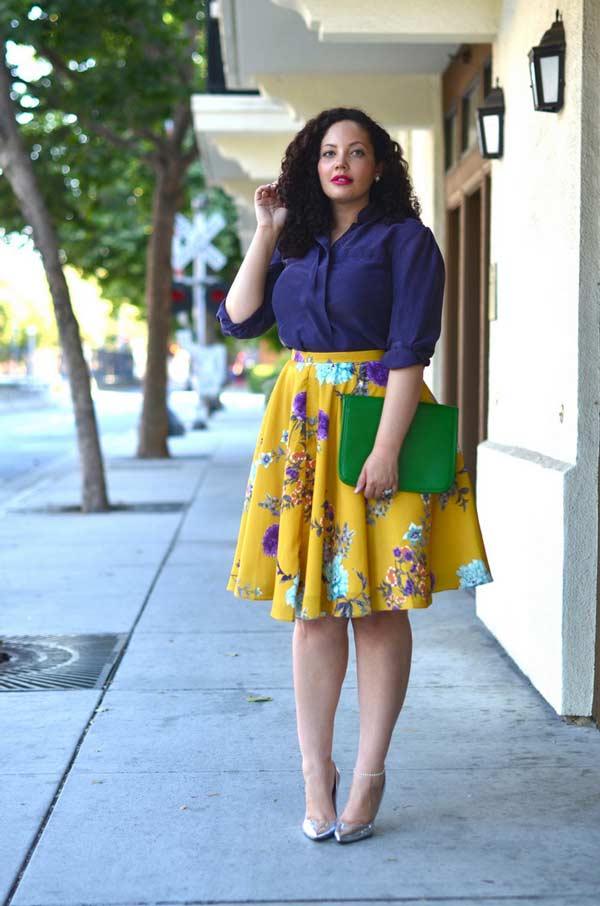 Повседневный образ с яркой юбкой и рубашкой