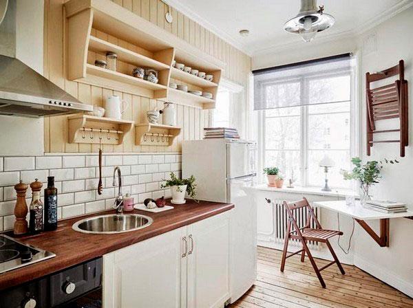 Скандинавская кухня с полками вместо навесных шкафов