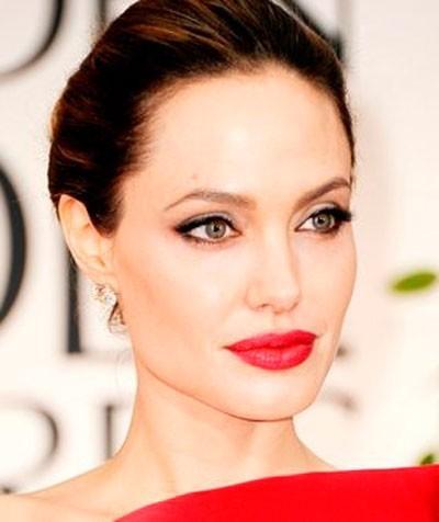 Звездный макияж Джоли