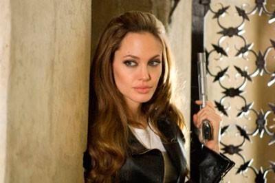 """Анжелина Джоли на съемках фильма """"Особо опасен"""""""