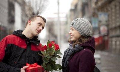 Новое знакомство может оказаться той нитью, которая приведет к новым отношениям