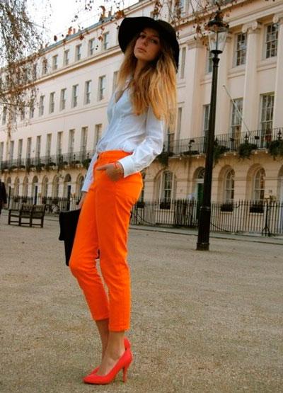 Сочетание с оранжевыми туфлями