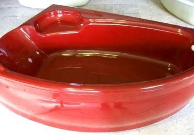 Фото: ванна акриловая цветная