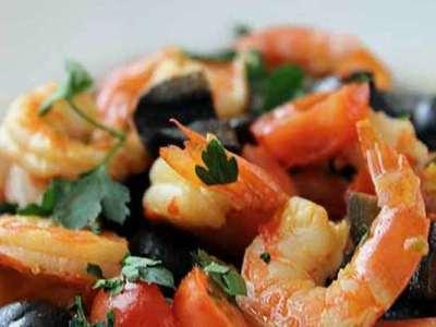 тушеные овощи с креветками и маринованным имбирем для бутербродов