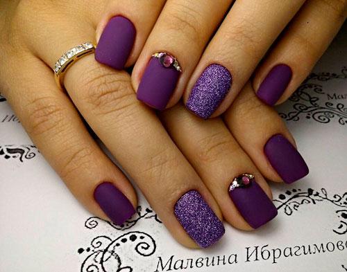 Фиолетовый нежный маникюр