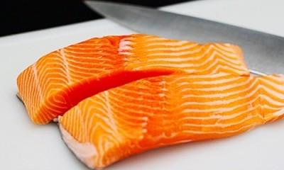 как нужно резать лосось