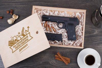 именной пистолет из вкусного и высококачественного шоколада
