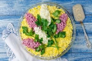 Простые и вкусные салаты на 8 марта