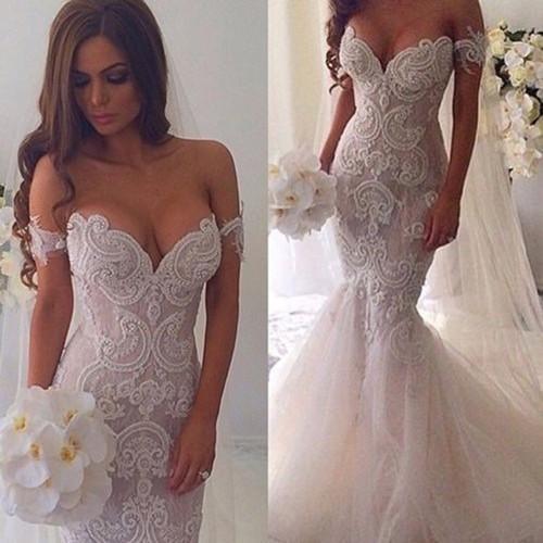 Кружевное свадебное платье в форме рыбки