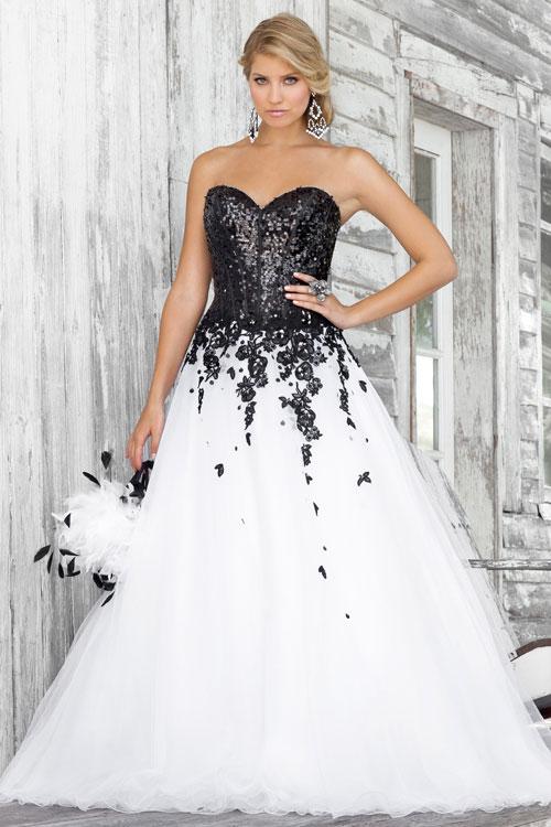 Черное-белое свадебное платье