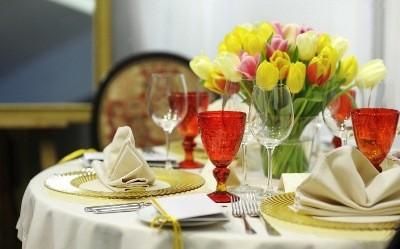 примеры скатертей для праздничного стола