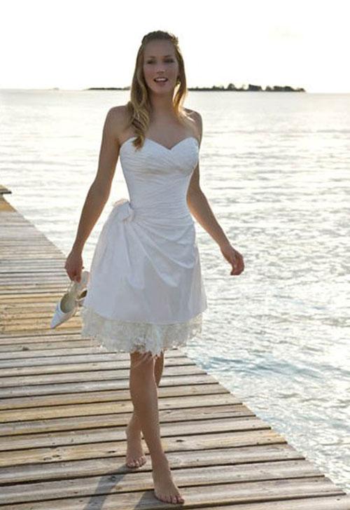 Короткое свадебное платье для церемонии на пляже