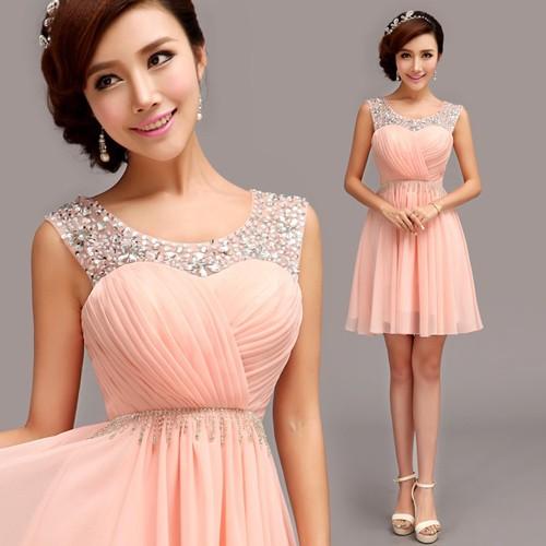 Короткое платье для гостя