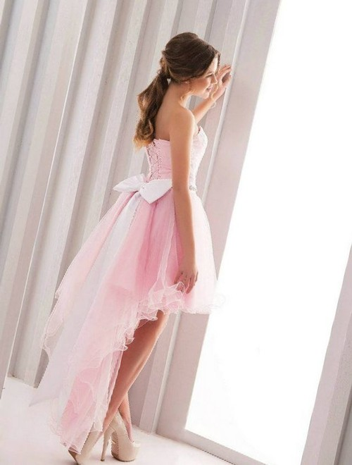 Короткое розовое свадебное платье