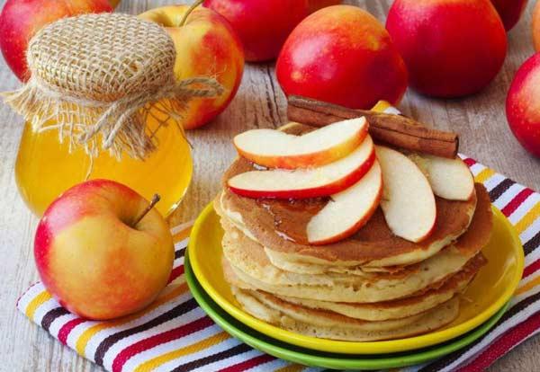 Панкейки с яблоками