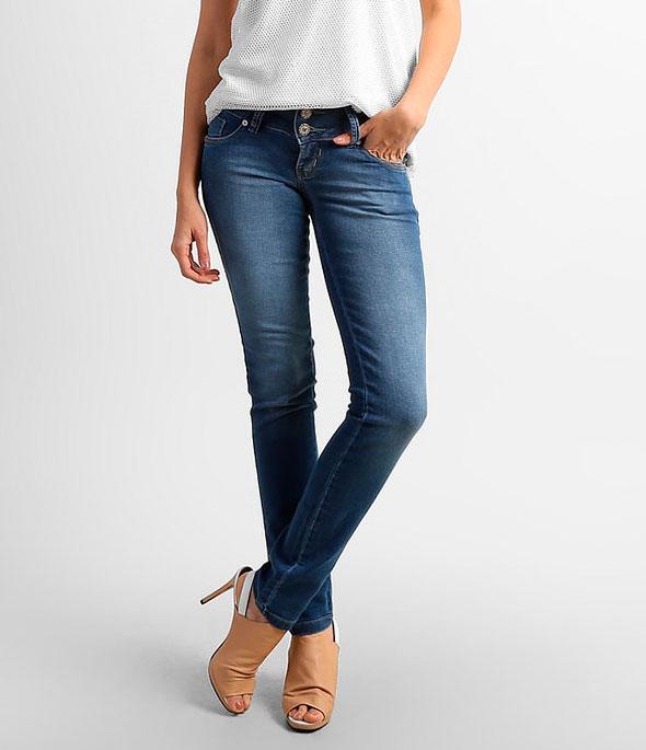 стройная женщина джинсы