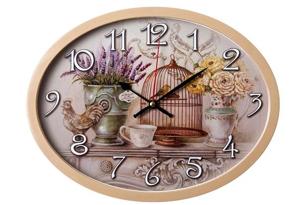 Оригинальные настенные часы с праздничной символикой