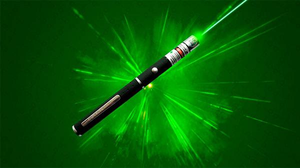 Современные учителя предпочитают лазерную указку