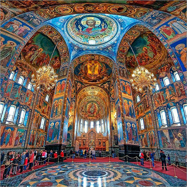 Мозаичное убранство храма поражает посетителей