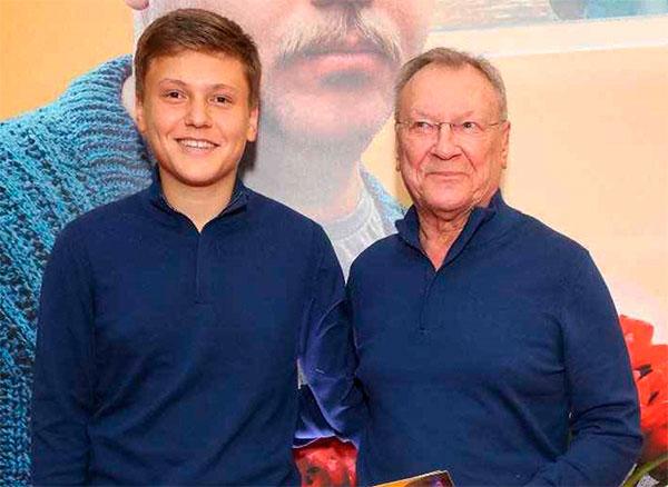 Шакуров с 16-летним сыном Маратом
