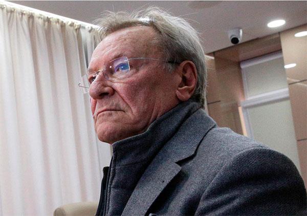 Сергей Шакуров здоров, и продолжает работать