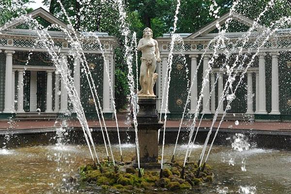 """Фонтан """"Адам"""", оригинал хранится во Дворце дожей в Венеции"""