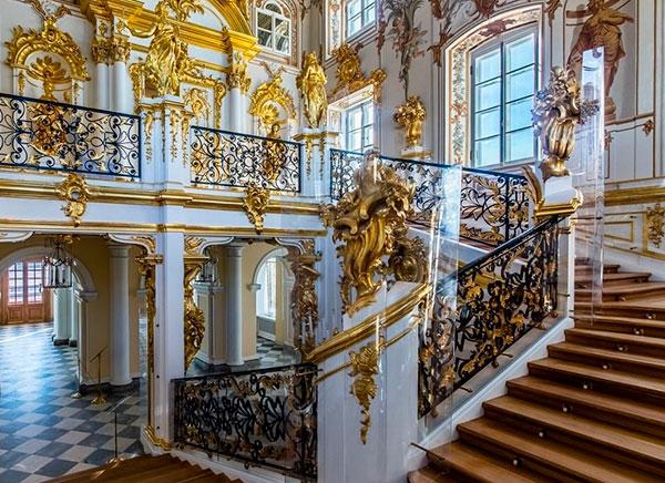 Парадная лестница в Большом дворце