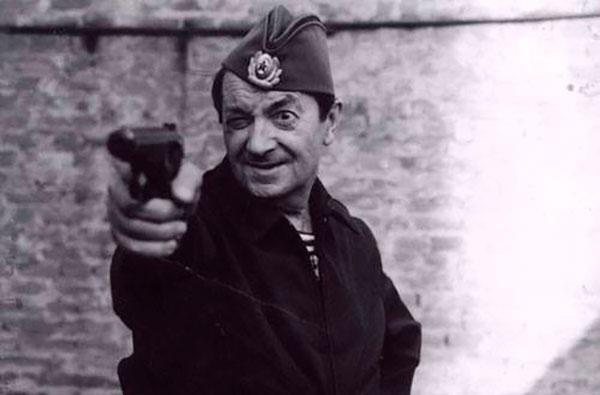 Вицин получил награду за доблестный труд в годы войны