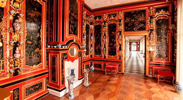 Залы дворца Монплезир