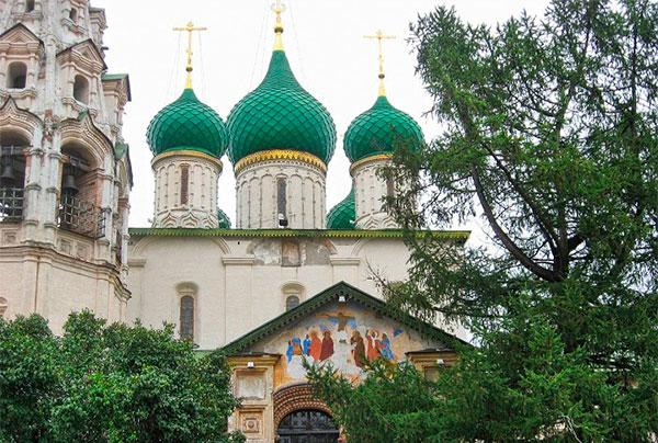 Церковь Ильи Пророка 17 столетия в Ярославле