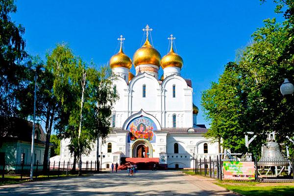 Успенский кафедральный собор в Ярославле