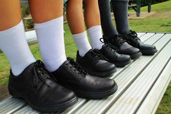 Школьнику нужна комфортная обувь