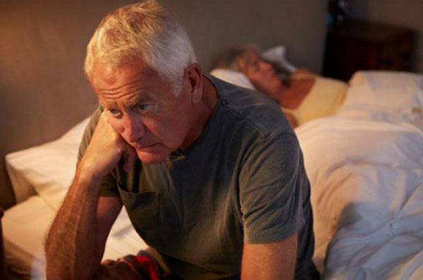 Мужскую бессонницу сложнее лечить