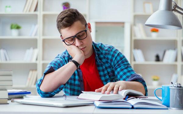 Не выспавшийся подросток не способен полноценно учиться