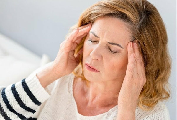 Когда появляется звон в ушах и кружится голова, нужна срочная помощь